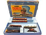 A boxed Hornby Dublo 80054 goods set