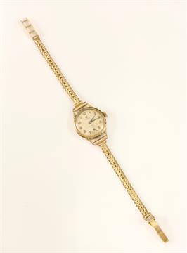 A Ladies 9ct Gold Cyma Cymaflex Mechanical Watch C1950 On