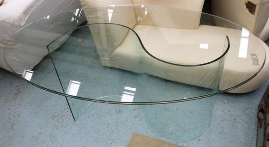 Dining Table With An Oval Glass Top On An S Shaped Glass Base 160cm X 100cm X 76cm H As Found