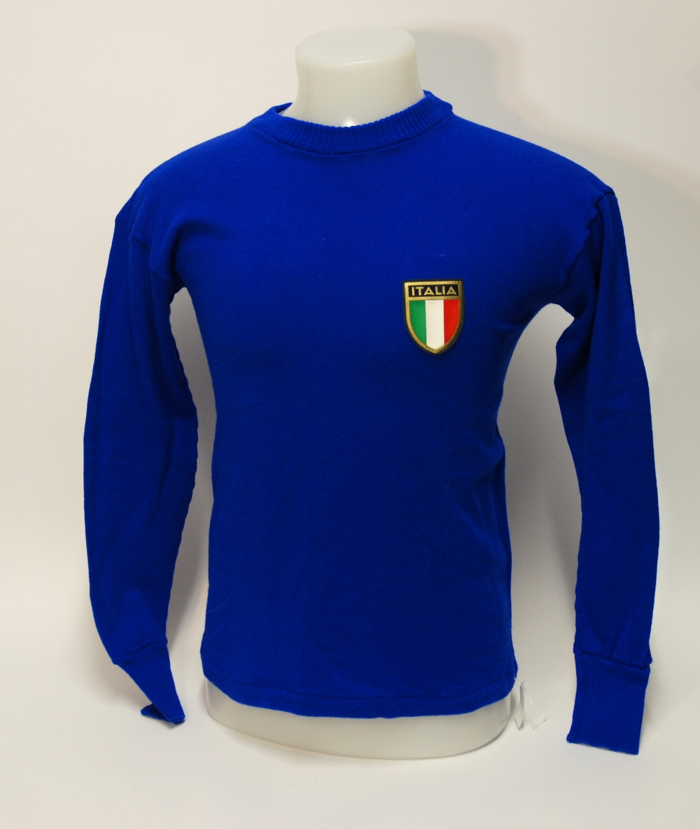 Lot 245A - A blue woollen Italy International shirt No.10, with crew-neck collar and embroidered/printed badge,