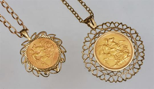 A 9ct gold pendant and chain with inset 1903 gold sovereign and a a 9ct gold pendant and chain with inset 1903 gold sovereign and a similar pendant with inset half aloadofball Images