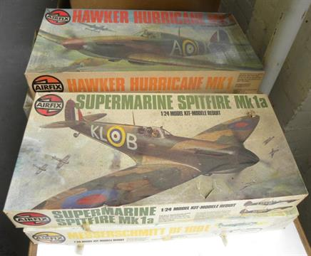 SEVEN AIRFIX LARGE SCALE PLASTIC MODEL KITS FOR AIRCRAFT, A VINTAGE