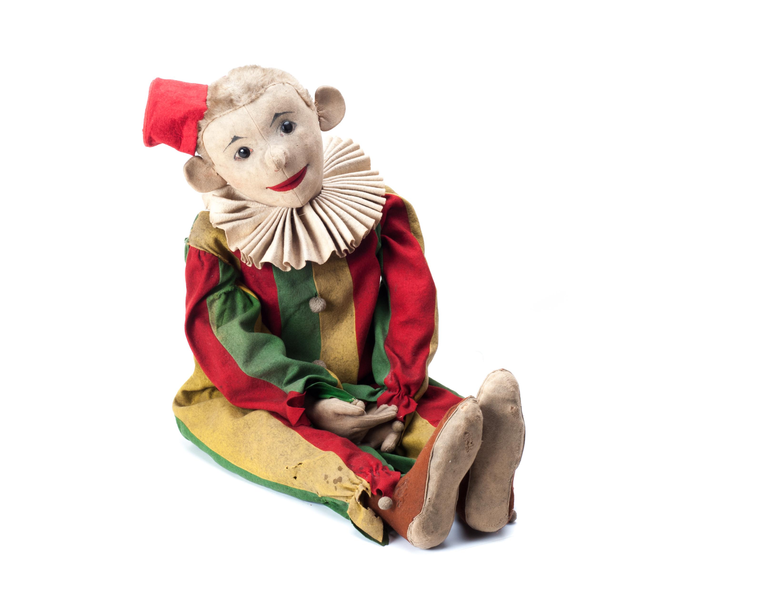 A very rare and large Steiff Clon clown doll (Cl(on)100), 1910-20s, beige felt head with central