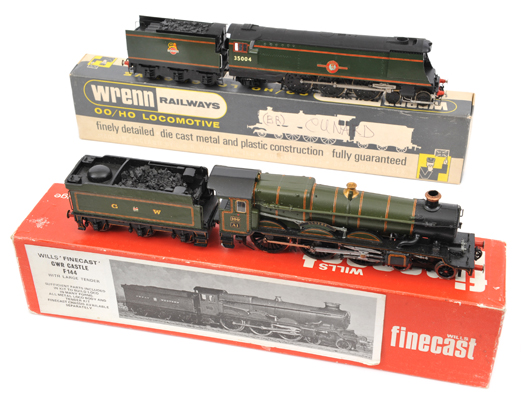 Lot 348 - 2 kit built OO tender locomotives. Wills Finecast GWR Castle class 4-6-0 ?Lloyds? RN 100. Plus a BR