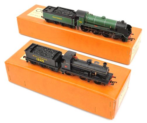 Lot 360 - 2 ?OO Works? ?OO? gauge locomotives. Southern Railway King Arthur class 4-6-0 tender locomotive, ?
