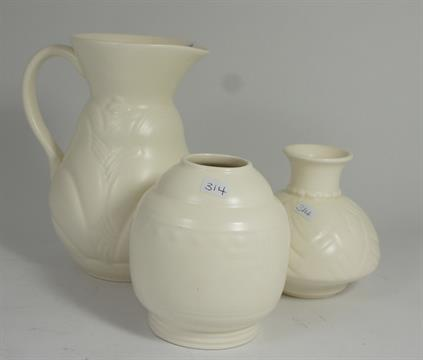 Spode Velamour Vases And Jug And Royal Staffordshire Wilkinsons