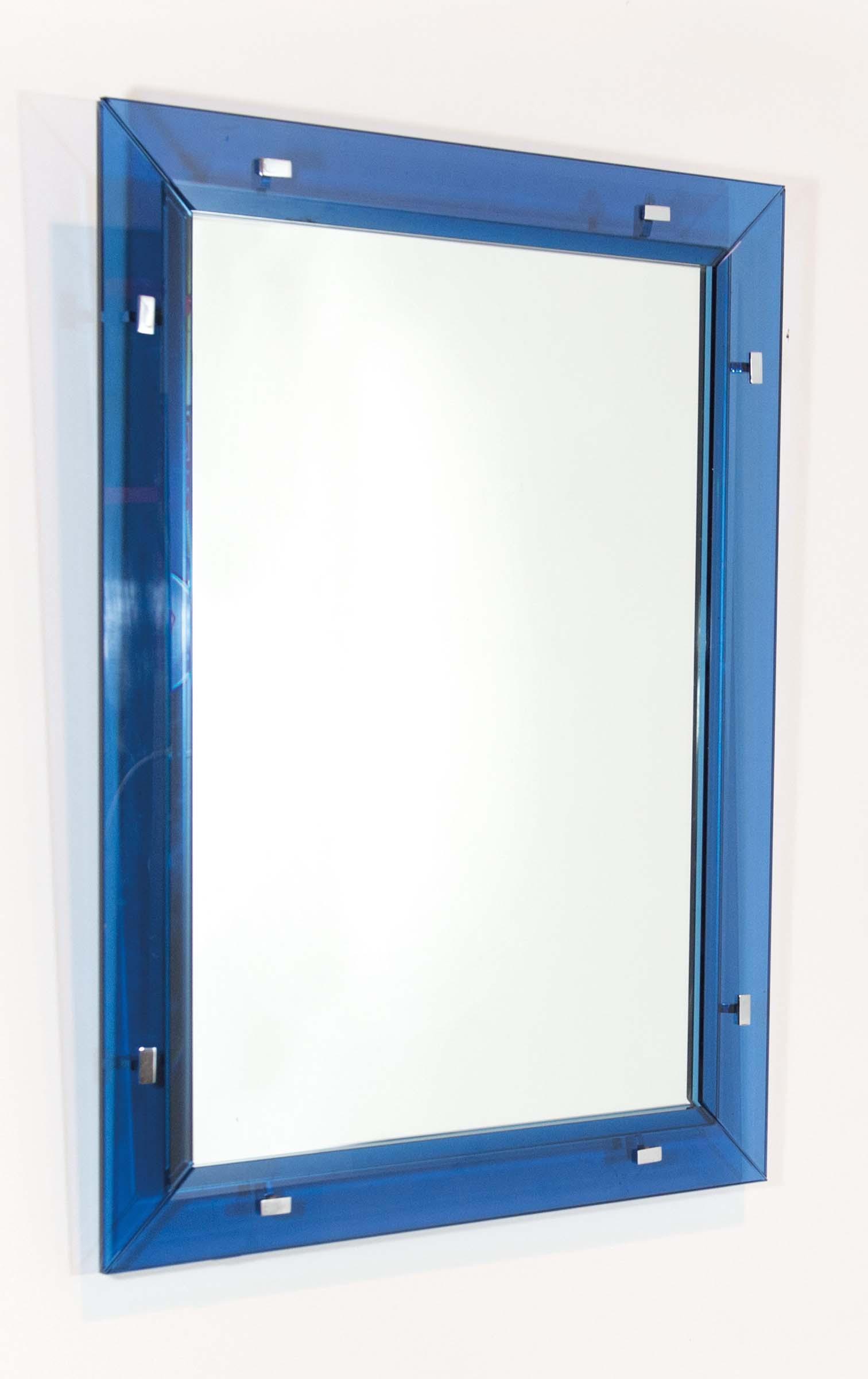Fontana arte attr specchio con cornice in lastre di vetro blu fissate con borchie di ottone - Lastre di specchio ...