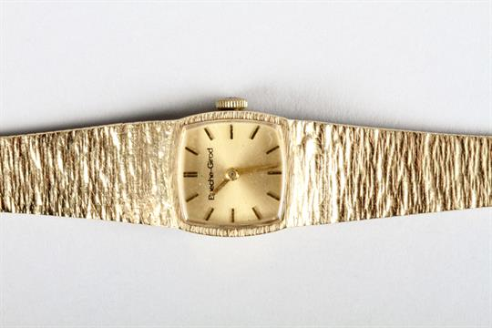 ladies 9 carat gold bueche girod wrist watch a 9 carat gold ladies 9 carat gold bueche girod wrist watch a 9 carat gold bracelet strap total weight 30