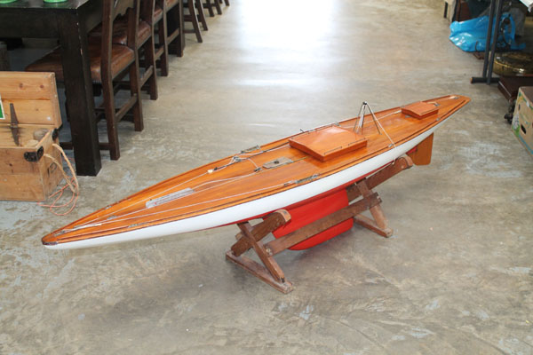 10 Rater Class Model Yacht, designed by John Lewis, plank on frame