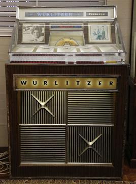 A Wurlitzer jukebox, model 2900, 1965, including approx 350 7