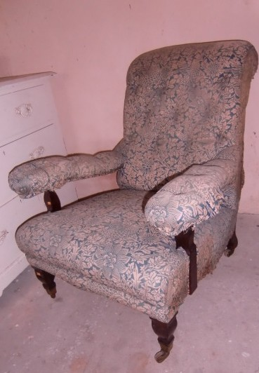 Lot 12 - A good quality antique Armchair, with deep buttoned back. (1)