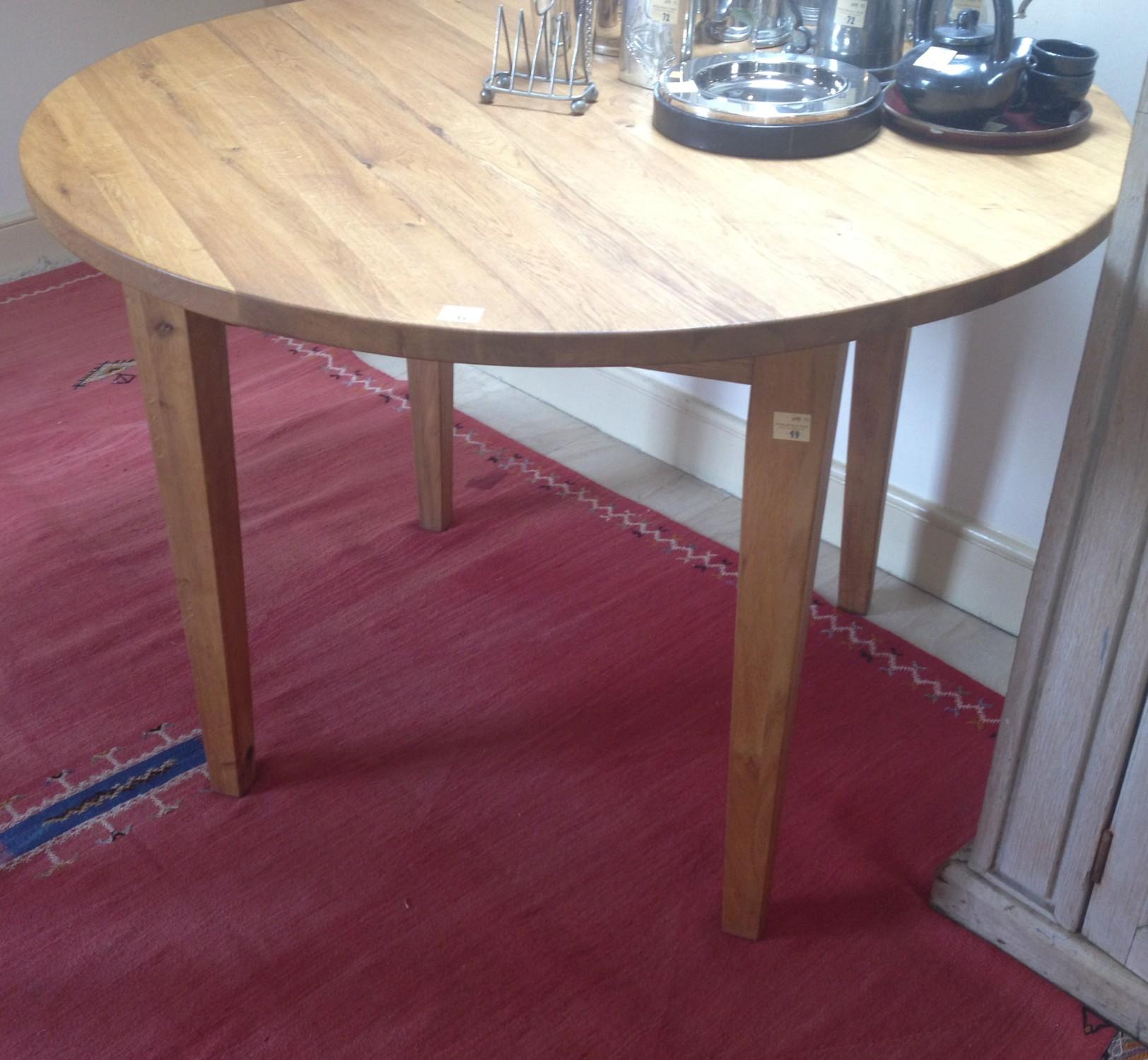 Lot 19 - A heavy modern oak circular Table. (1) Also includes: four modern oak Chairs (two folding).
