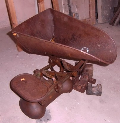 Lot 3 - An old Potato Scales, and weights. (a lot)