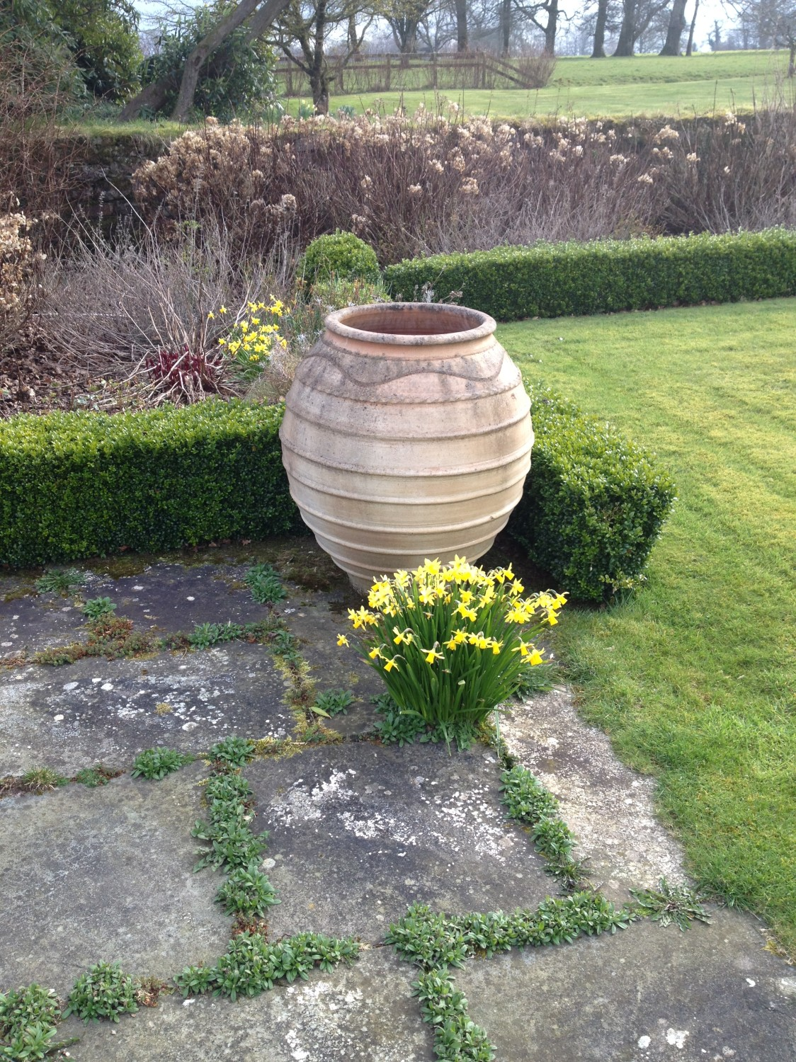 Lot 47 - A similar barrel shaped pair of Garden Planters. (2)