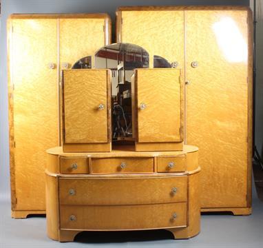 A 1950`s Austin Suite of birds eye maple bedroom furniture ...