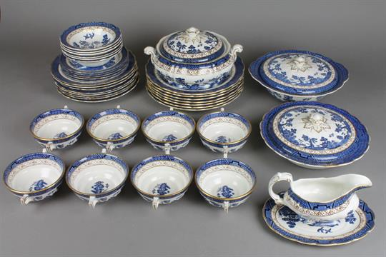 A Booths Real Old Willow pattern dinner service comprising 8 two handled bowls 6 dessert bowls & A Booths Real Old Willow pattern dinner service comprising 8 two ...