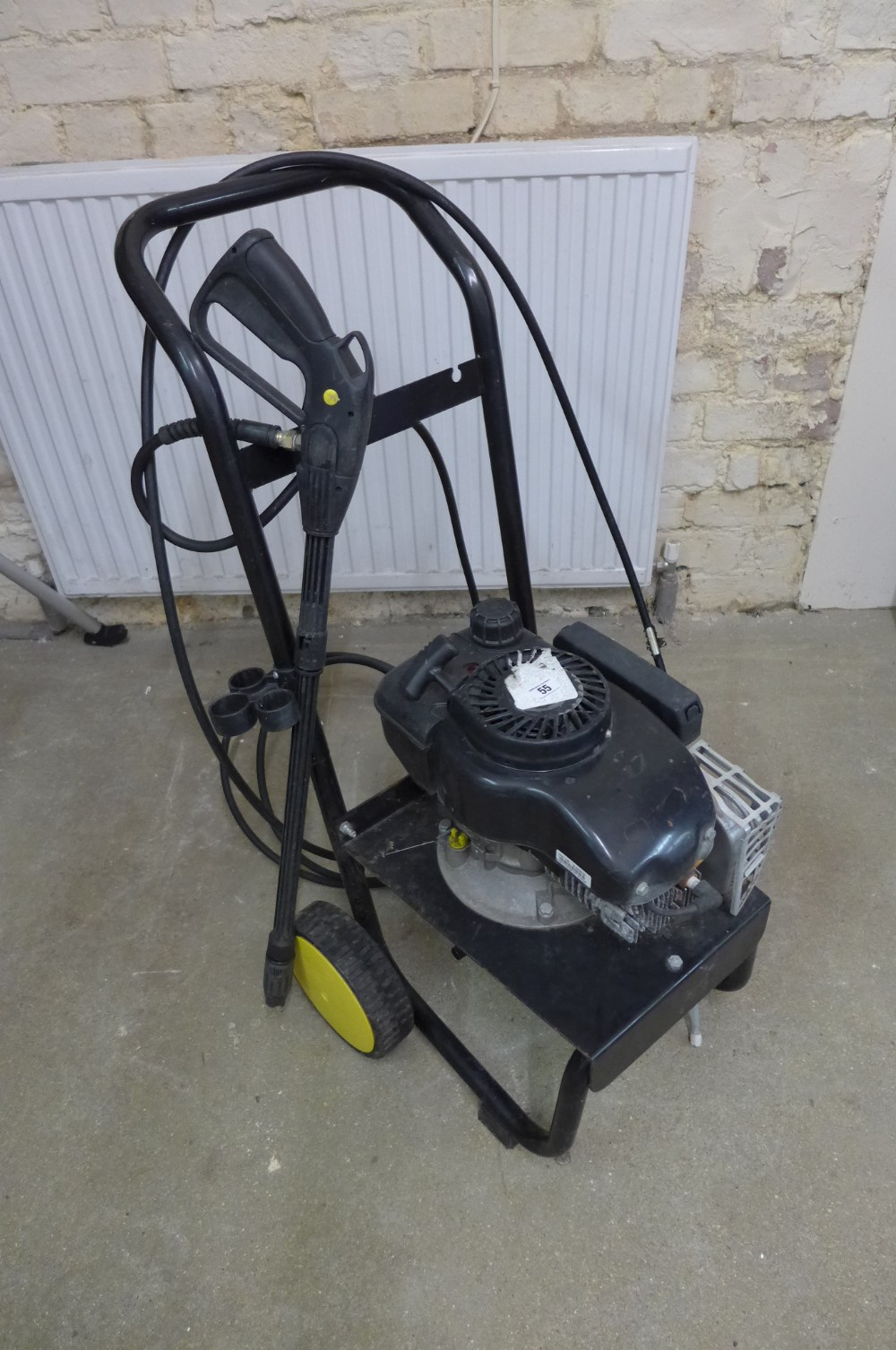 Lot 55 - A Lavor Thermic 3/5 100 bar petrol power washer Condition report