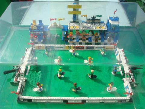 Shop Display Lego Championship Challenge Football Set 3409 Playable ...