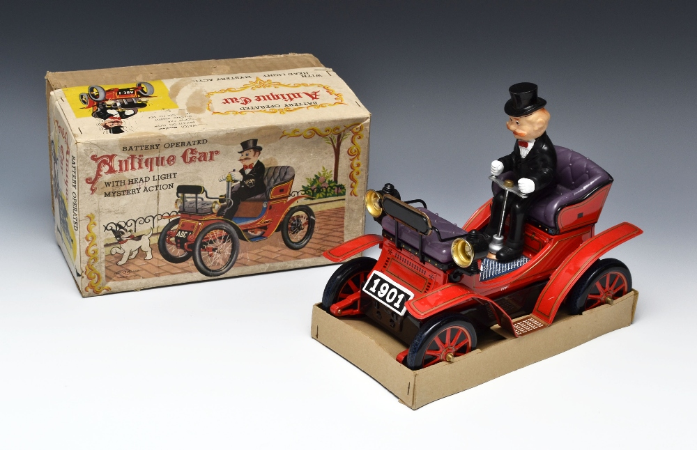 T.N Nomura Toys Ltd. (Japan) tinplate and battery operated