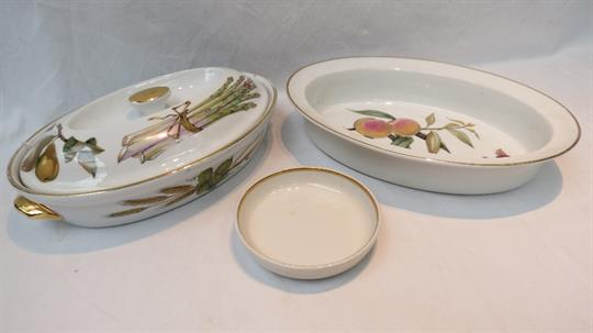 A Royal Worcester Evesham Pattern Oven To Tableware Covered Entree Dish Of  Oval Form, Shape 21,