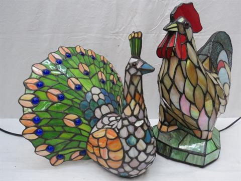 A Tiffany style table lamp in the form of a cockerel 36cm high ...
