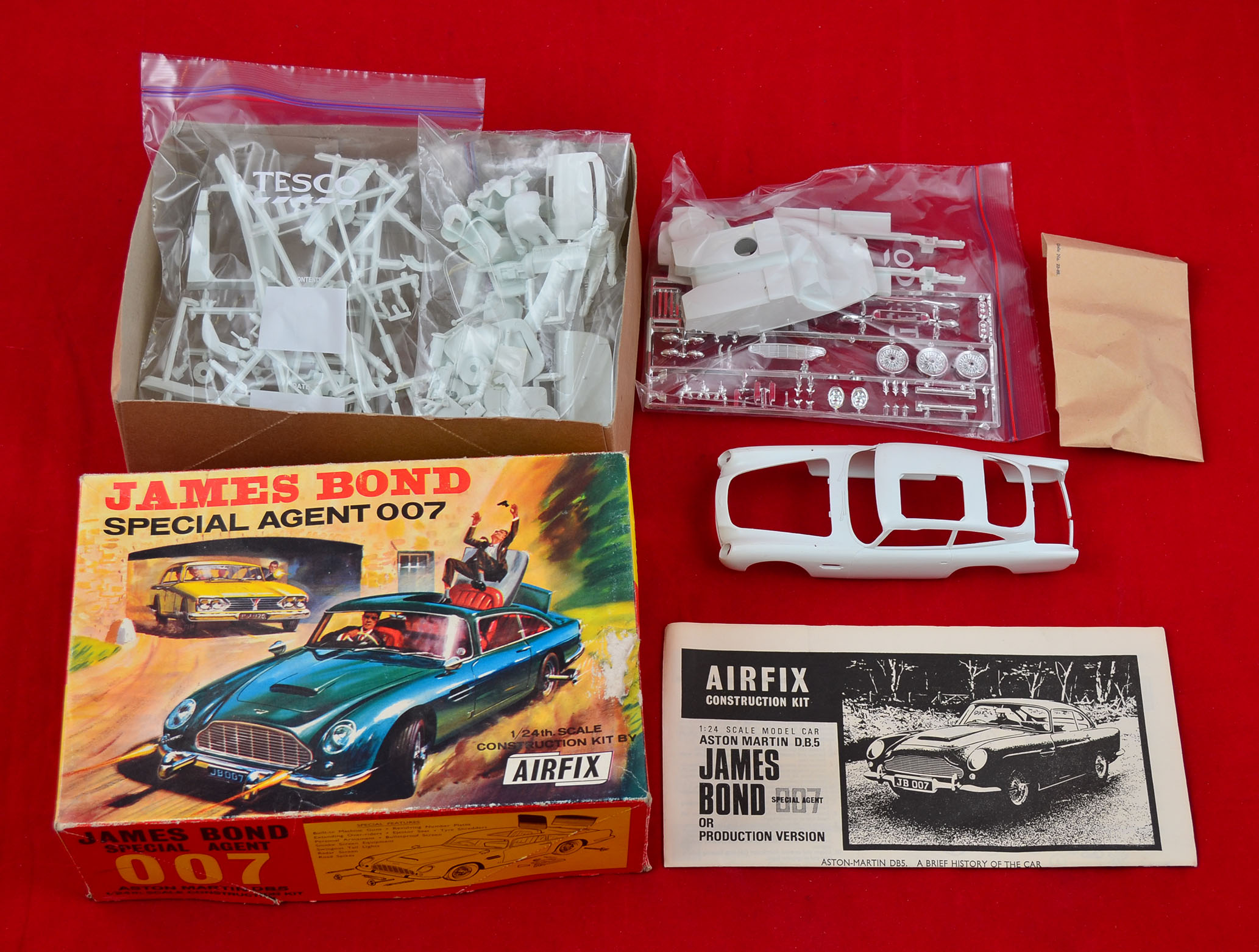 airfix 823 james bond 1/24 scale aston martin db5 plastic model