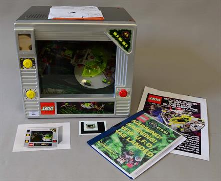 Lego UFO Theatre Box, an electronic Lego shop display featuring ...