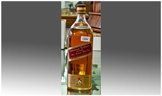 d9a808b7f6d98 Johnnie Walker Red Label Old Scotch Whisky 4 Pint Bottle. 70% Proof ...