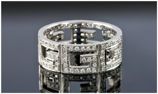18ct White Gold Diamond Gucci Style Ring Continuous Band