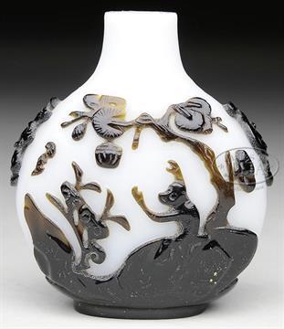 b51e781fa1 PEKING GLASS SNUFF BOTTLE. 19th century, China. Cameo glass carved ...