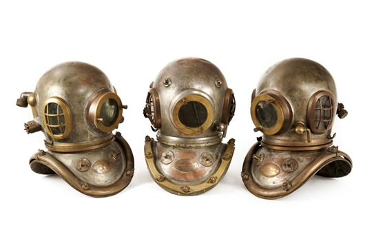 A 6-BOLT COPPER AND BRASS ADMIRALTY PATTERN DIVING HELMET BY