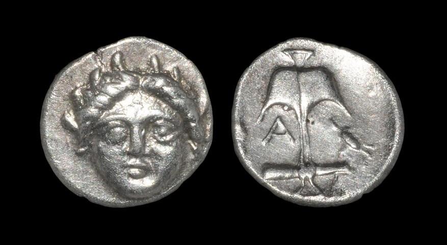 Greek Apollonia Pontica - Apollo Diobol Late 4th century BC. Obv: head of Apollo facing with spiked