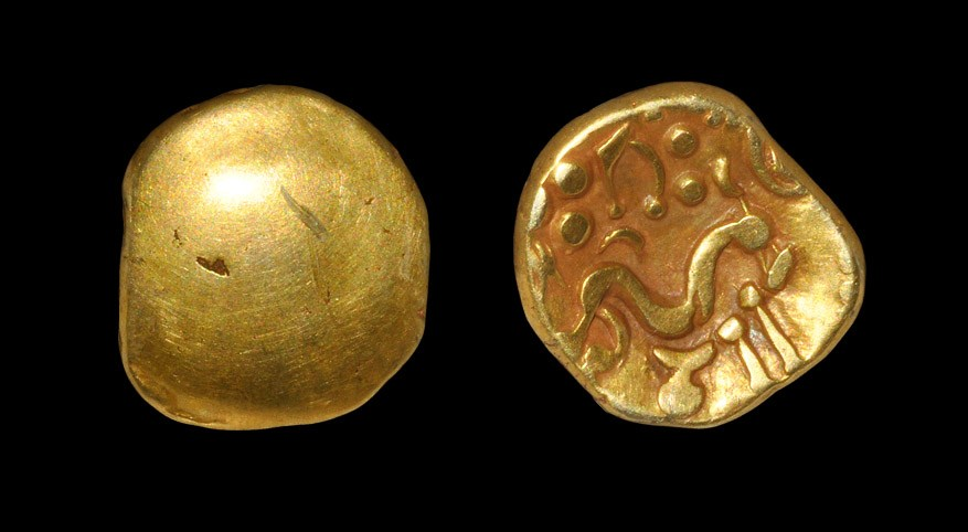 Celtic Gallo-Belgic - Ambiani - Gold Stater 1st century BC, type A. Obv: blank. Rev: disjointed
