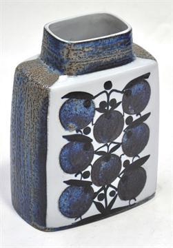 Dating royal copenhagen fajance vase