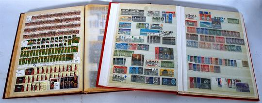 2 stamp collecting stock books of Great Britain stamps in albums