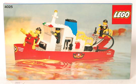 Lego An Original Vintage Lego 4025 Boxed Fire Boat Set With