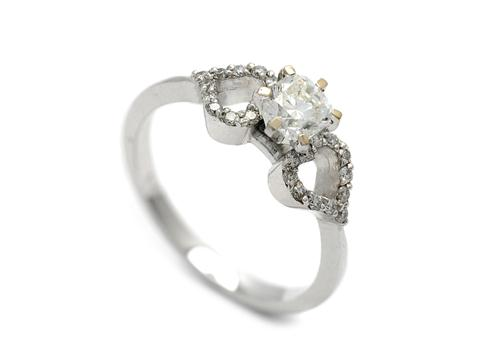RING 18K white gold, flanders cut diamond approx 0,51 ct