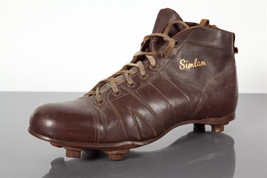 a2501ce7f VINTAGE LEATHER FOOTBALL BOOT