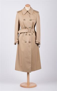 Aquascutum Regent Street London W I A Ladies Trench Coat A Classic Beige Gabardine Cotton Trenc