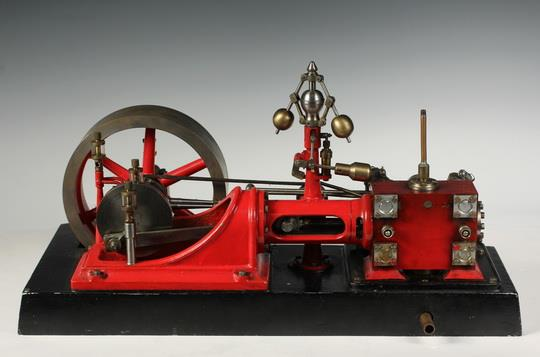 MODEL OF STEAM ENGINE - An extremely well-machined