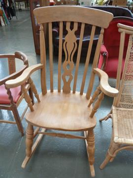 Enjoyable A High Back Windsor Style Fiddle Back Rocking Chair With Inzonedesignstudio Interior Chair Design Inzonedesignstudiocom
