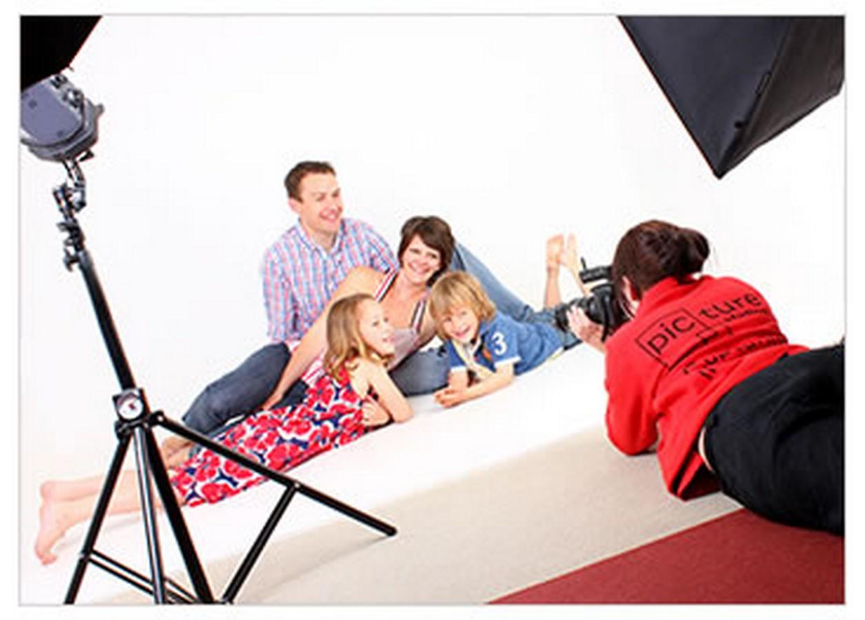 Lot 20 - Picture Studios, Lowestoft     -  Studio Photo session  The Unique Picture Experience at Picture