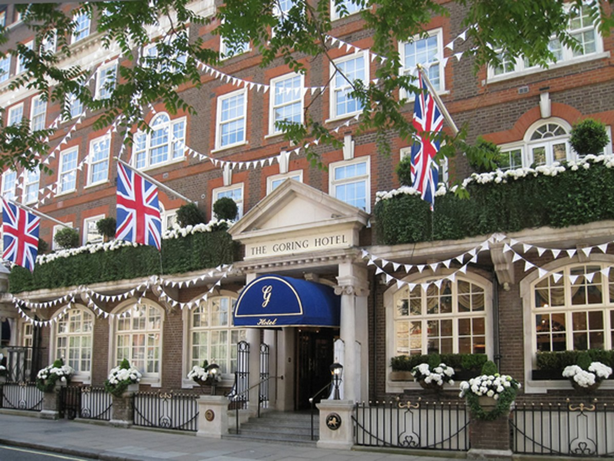 Lot 9 - The Goring Hotel, London      - two Guests to enjoy a wonderful overnight stay with a delicious