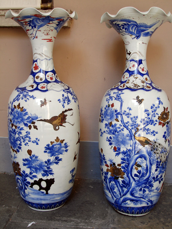 Nabeshima vases, Japan 19th century. A very important pair of porcelain vases with painted