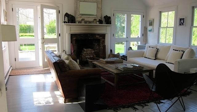 Hampton interior designed beach house east hampton new york love home swap for Living room restaurant east hampton