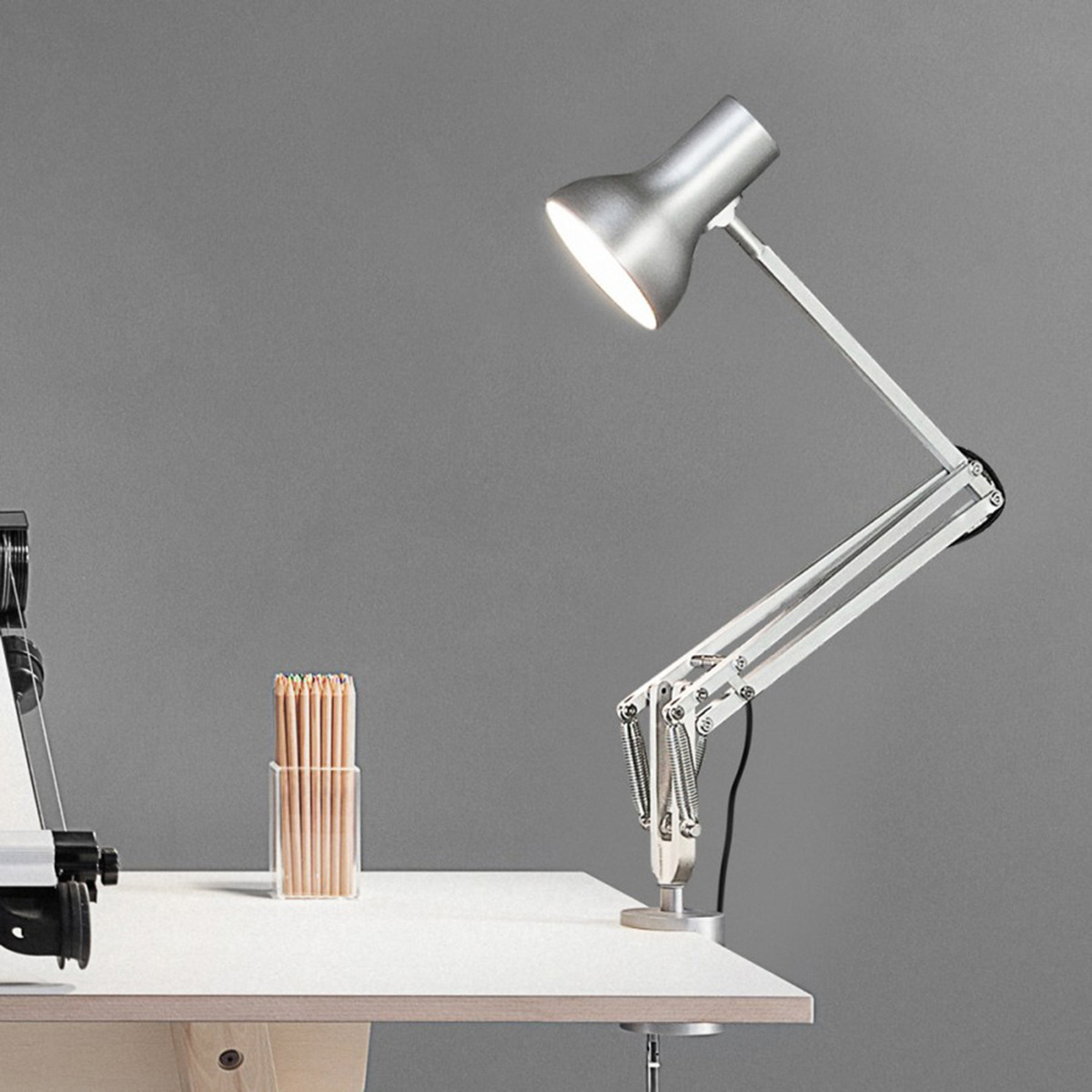 lampe de table type75 mini avec serre joint by anglepoise. Black Bedroom Furniture Sets. Home Design Ideas