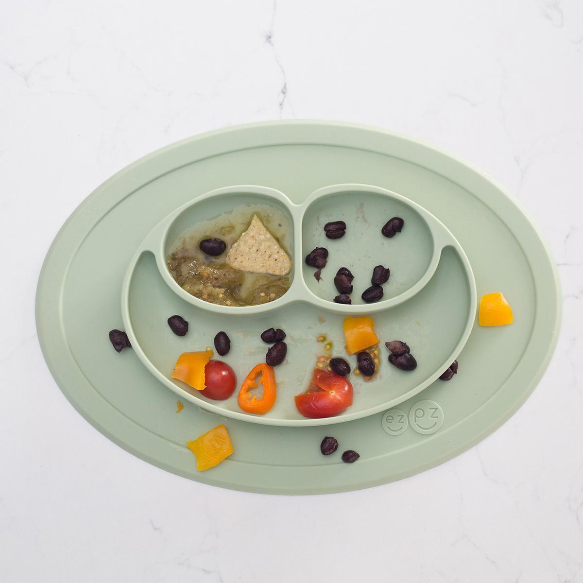 assiette pour enfant mini mat by ezpz lovethesign. Black Bedroom Furniture Sets. Home Design Ideas