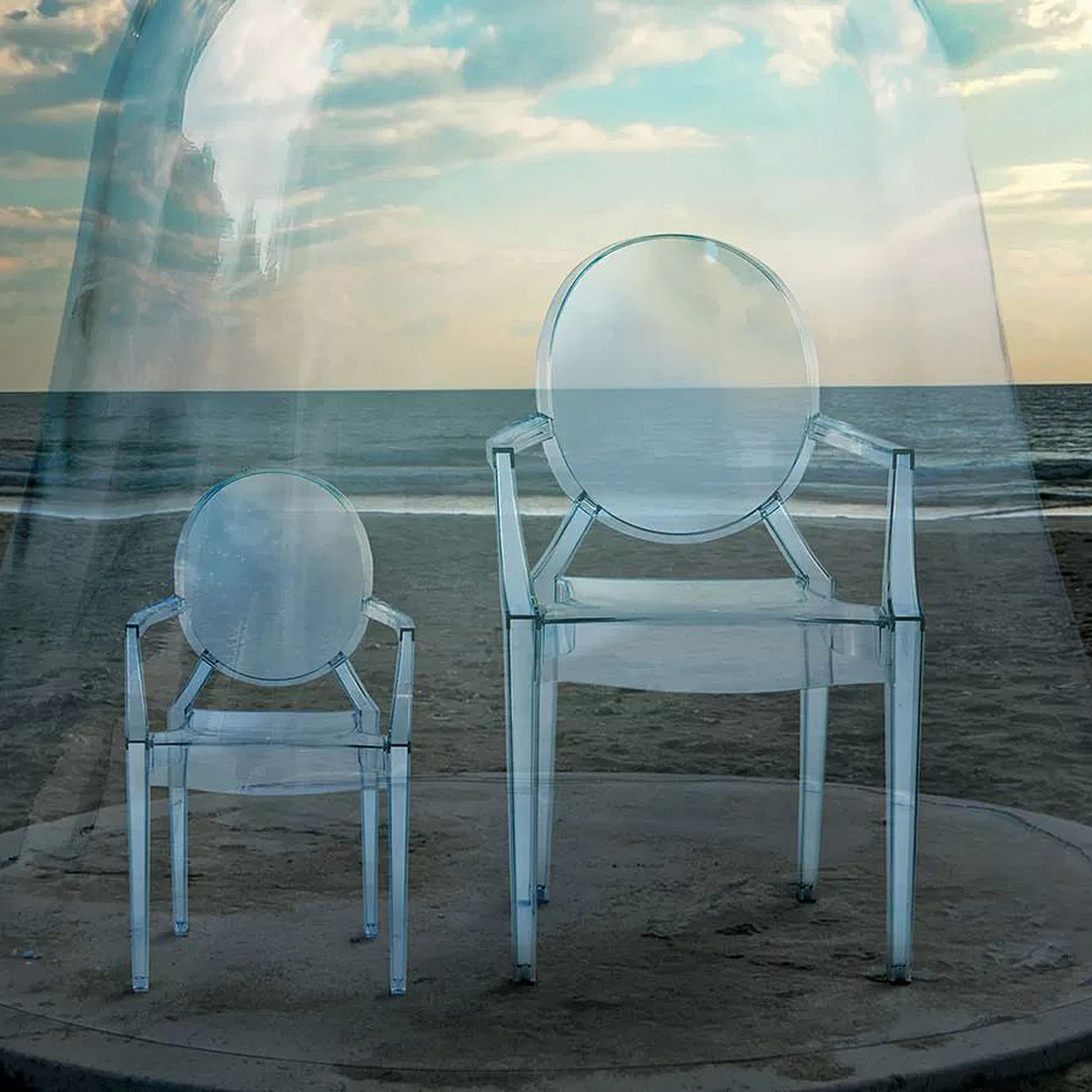 louis ghost chair by kartell lovethesign. Black Bedroom Furniture Sets. Home Design Ideas