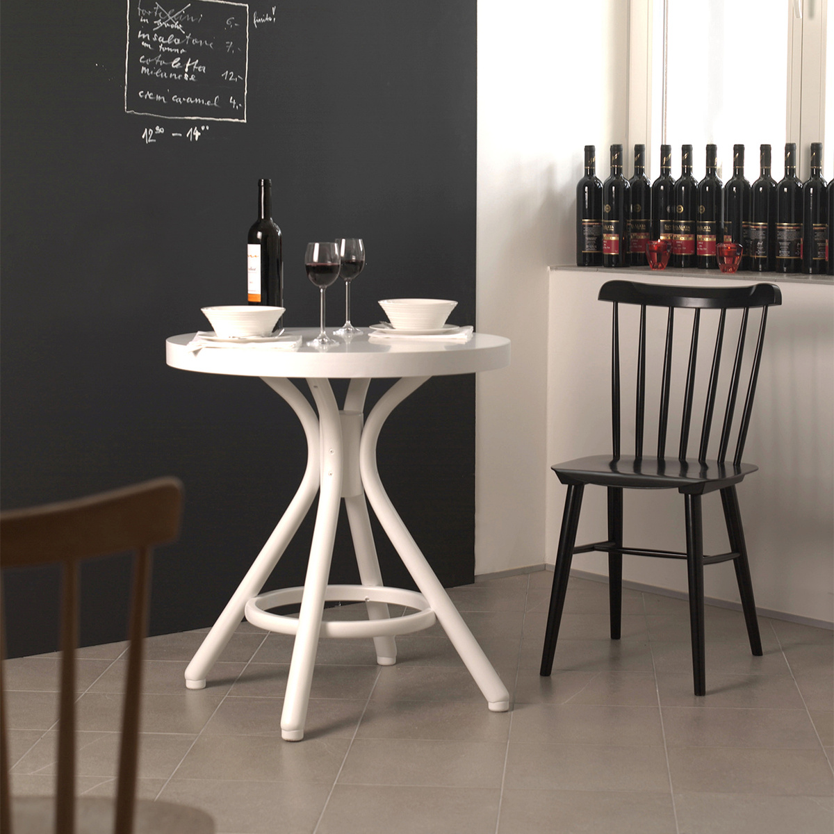 Sedia ironica nera lovethesign for Sedie industrial style