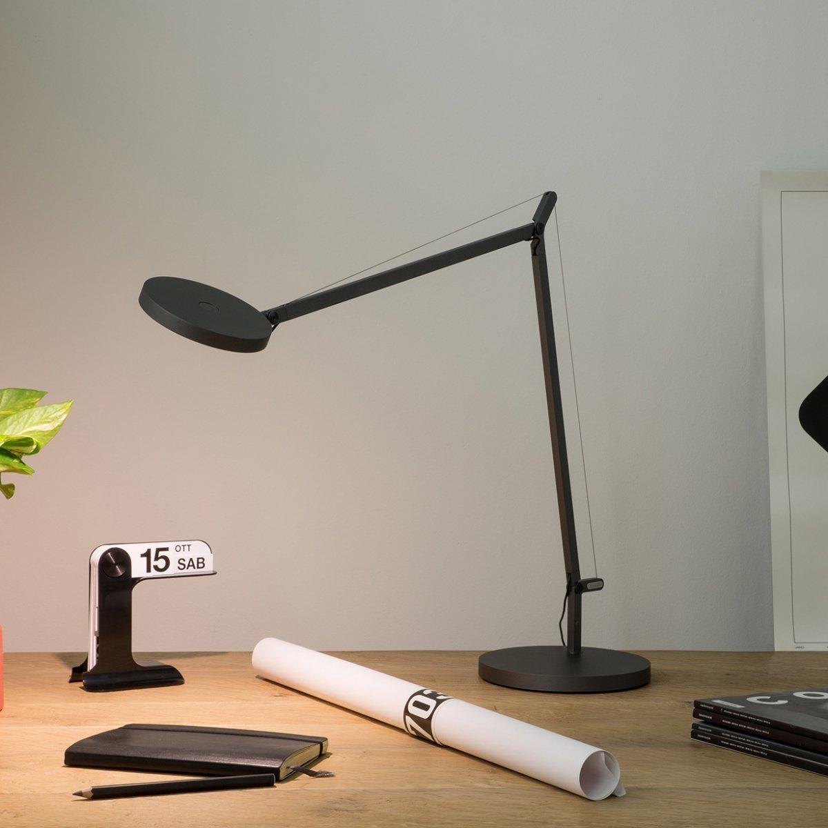 Lampada da tavolo demetra led by artemide lovethesign - Lampada da tavolo a led ...